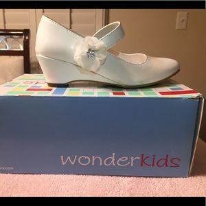 White girls dress shoes